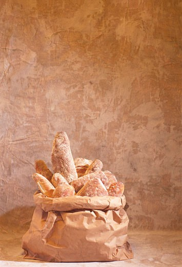 Stock Photo: 1532R-21926 Assorted bread products in a paper sack