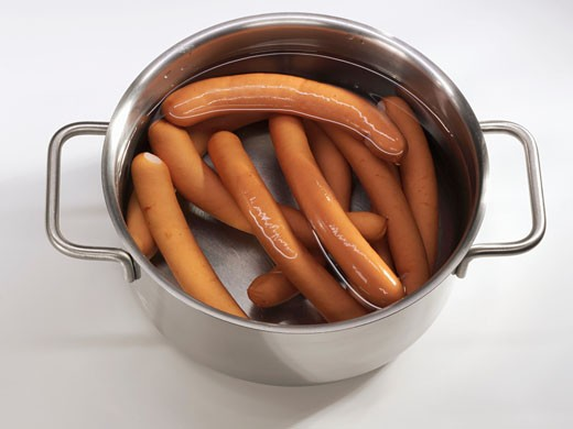Stock Photo: 1532R-23245 Frankfurters in a pan