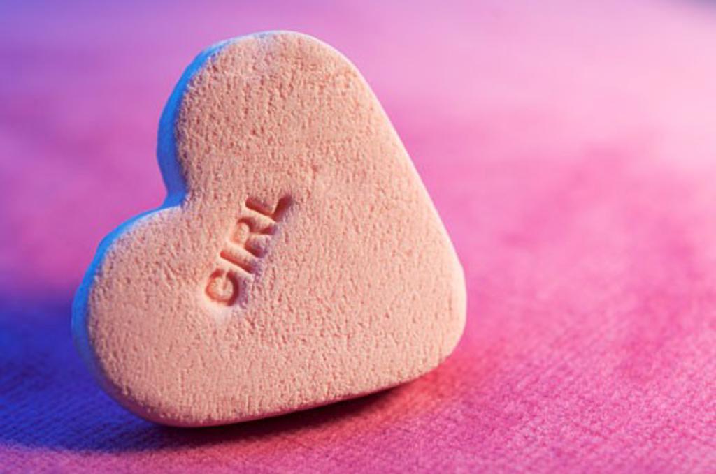 Stock Photo: 1532R-24031 Pink marshmallow heart
