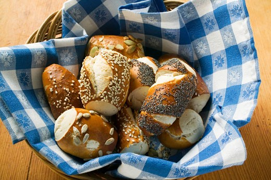 Stock Photo: 1532R-25068 Assorted pretzel rolls in bread basket