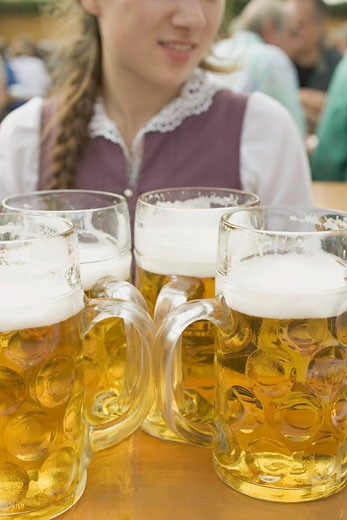 Stock Photo: 1532R-27663 Four litres of beer (Oktoberfest, Munich)