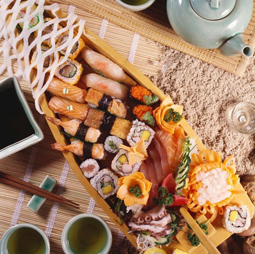 Stock Photo: 1532R-29907 Sushi boat