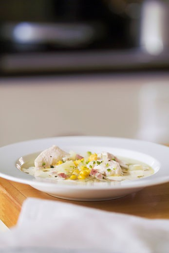 Stock Photo: 1532R-31969 Chicken and sweetcorn soup with chilli