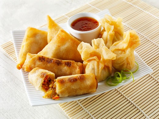 Spring rolls and wontons with dip (Asia) : Stock Photo