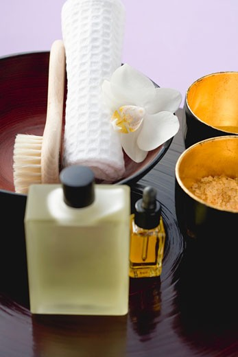 Stock Photo: 1532R-33243 Bath products, towel, orchid and brush