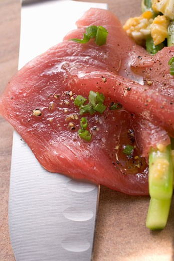 Stock Photo: 1532R-34172 Beef carpaccio with asparagus