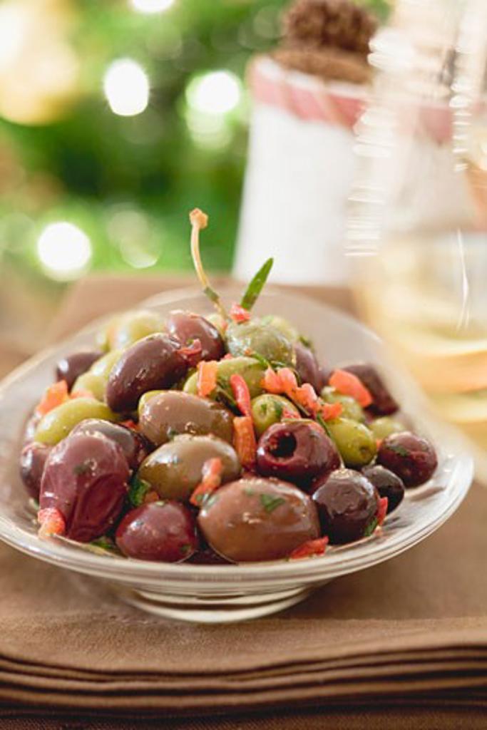 Stock Photo: 1532R-36564 Marinated olives (Christmas)