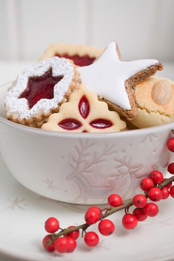 Assorted Christmas biscuits in bowl : Stock Photo
