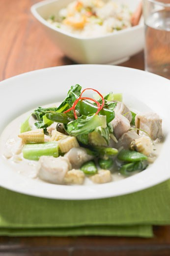Stock Photo: 1532R-39216 Fish with chard and baby corn cobs