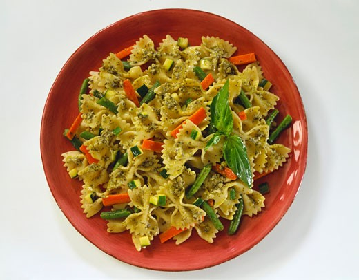 Pesto Farfalle with Beans and Carrots : Stock Photo