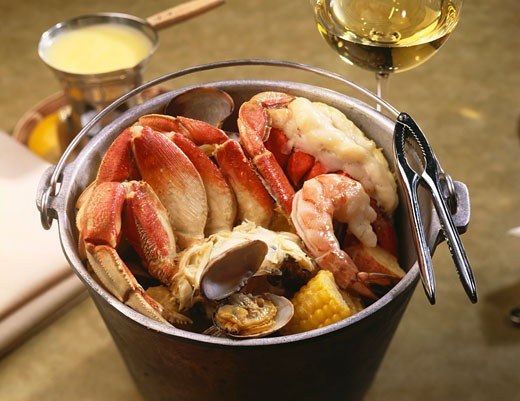 Stock Photo: 1532R-49210 Steamed Seafood Dinner in a Pail