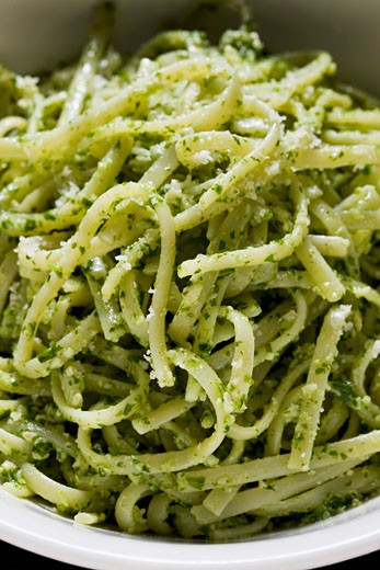 Linguine with cashew nuts and rocket pesto : Stock Photo