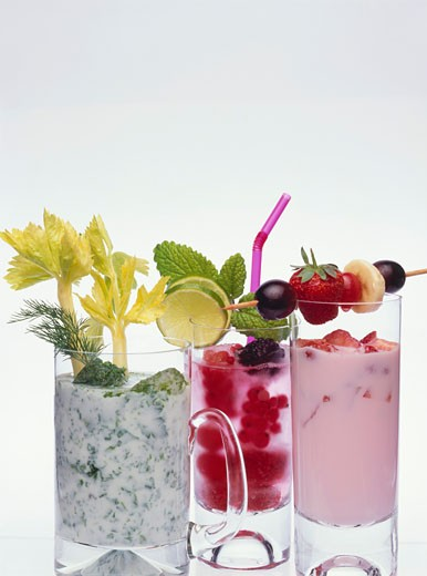 Stock Photo: 1532R-53816 Herb yoghurt drink, berry drink and strawberry shake