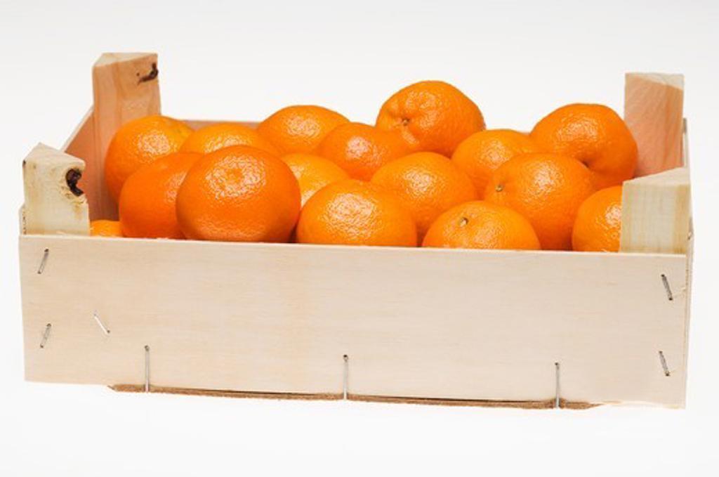 Mandarin oranges in crate : Stock Photo