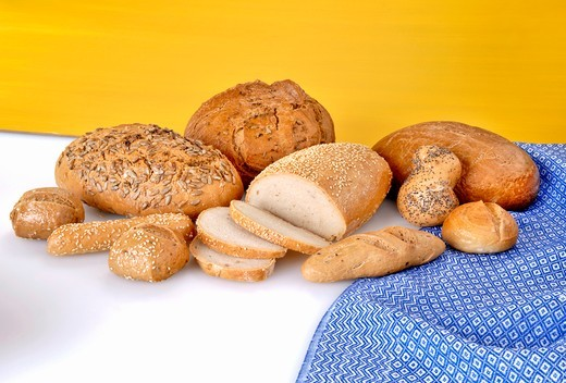 Various types of bread and bread rolls : Stock Photo