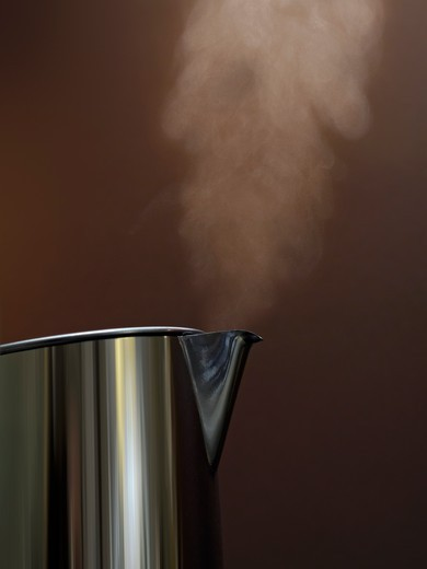 Stock Photo: 1532R-57960 Steam rising from kettle
