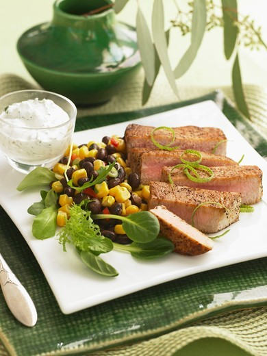 Stock Photo: 1532R-63280 Sliced Pork with Black Bean and Corn Salad