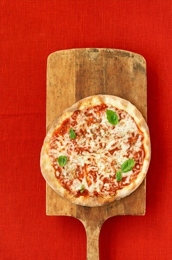 Pizza Margherita : Stock Photo