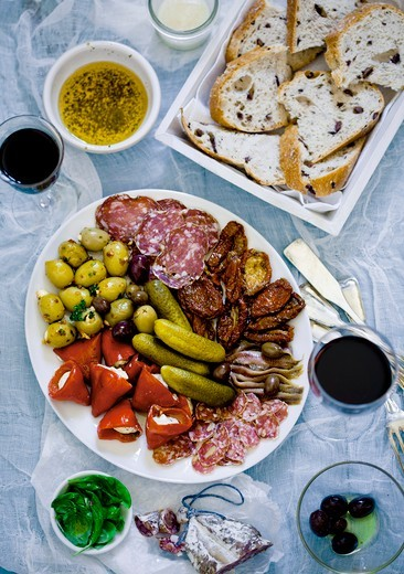 Stock Photo: 1532R-64055 Assorted antipasti