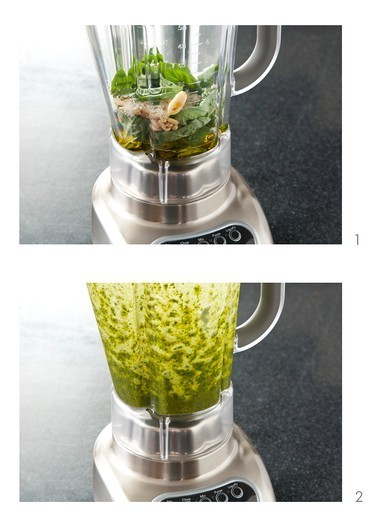 Stock Photo: 1532R-66117 Making Pesto in a Blender