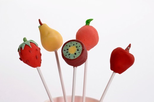 Cake pops decorated to look like fruit : Stock Photo