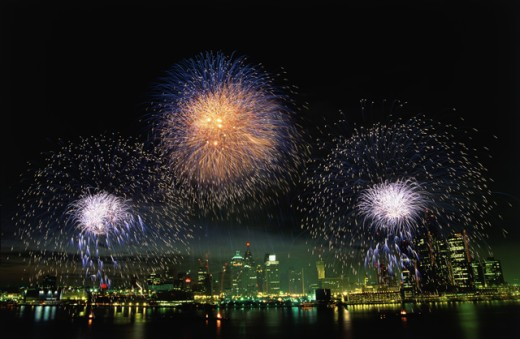 Stock Photo: 155-440 Fireworks display at night on independence day, Detroit, Michigan, USA