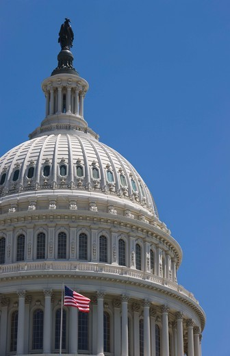 Stock Photo: 1555R-100683 The dome of the Capitol Building with flag flying, Washington