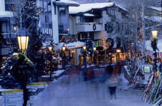 Stock Photo: 1555R-104067 Town of Vail, Colorado