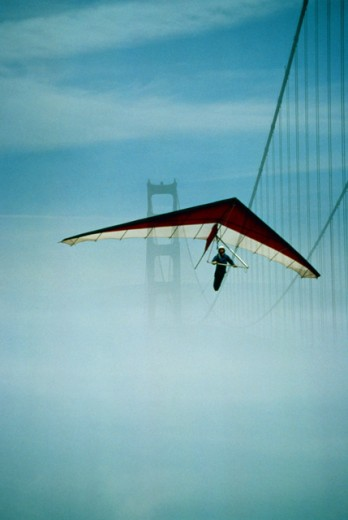 Stock Photo: 1555R-158091 Hang glider in San Francisco, California