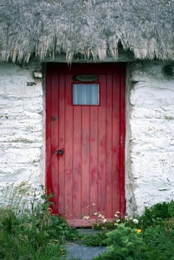 Stock Photo: 1555R-159001 Cottage doorway