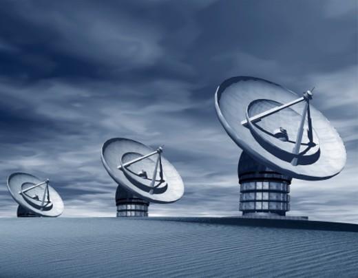 Stock Photo: 1555R-18046 Satellite dishes