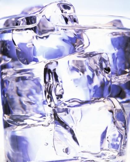 Stock Photo: 1555R-231013 Ice water