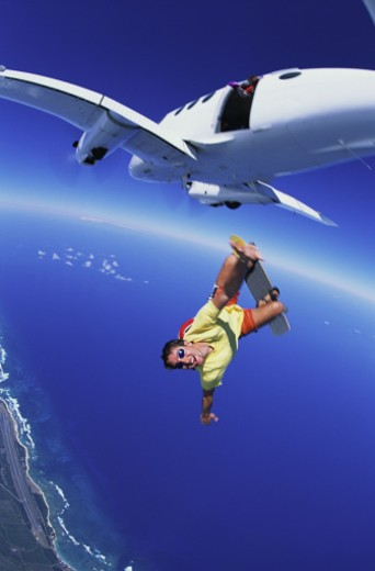 Stock Photo: 1555R-266062 Skydiver free-falling