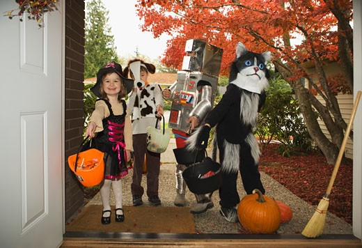 Stock Photo: 1555R-320306 Children trick-or-treating