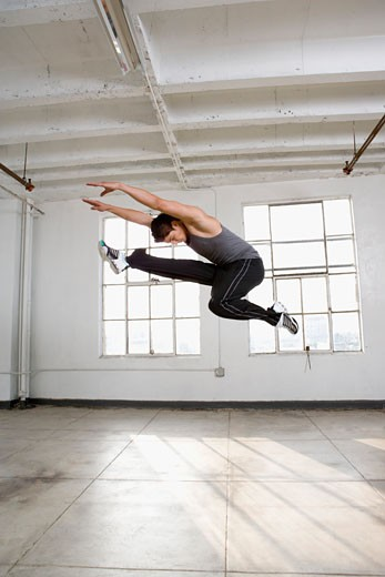Stock Photo: 1555R-322674 Dancer in midair