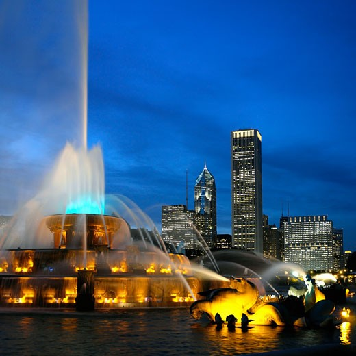 Stock Photo: 1555R-324956 Buckingham Memorial Fountain, Chicago, Illinois