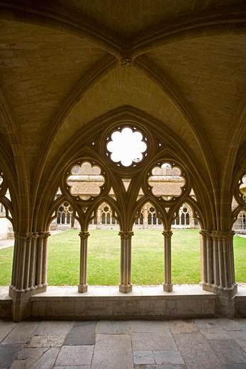 Stock Photo: 1555R-326704 Courtyard and ambulatory, France