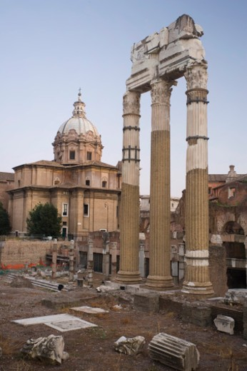 Stock Photo: 1555R-326724 Ruins at Roman Forum, Italy