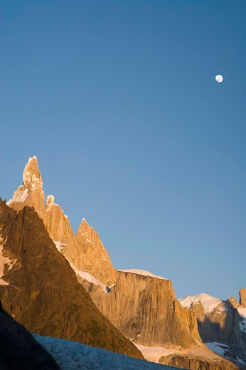 Stock Photo: 1555R-327575 Mountain and sky
