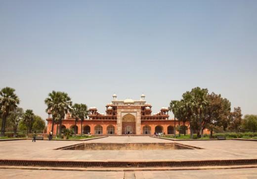 Stock Photo: 1555R-329988 Akbar's ornate mausoleum at Sikandra