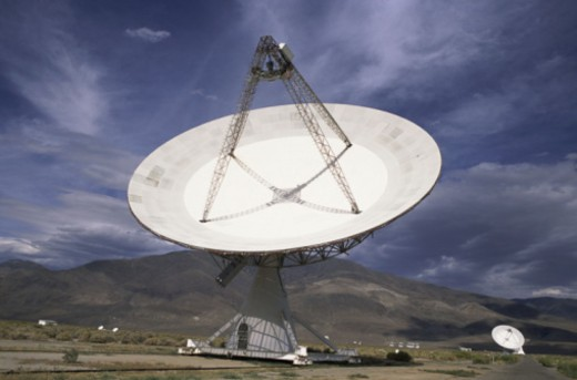 Radio Telescope in Owens Valley, California : Stock Photo