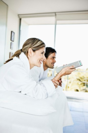 Stock Photo: 1555R-340503 Couple watching tv