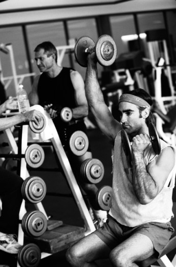 Stock Photo: 1555R-43092 Men lifting weights