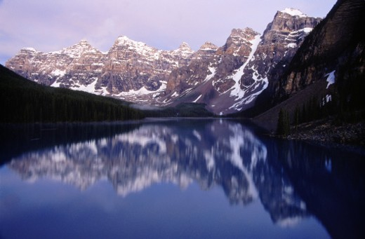 Stock Photo: 1555R-98070 Moraine Lake, Alberta, Canada