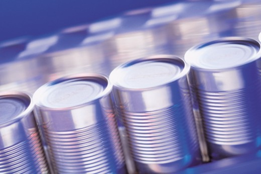 Stock Photo: 1557R-0149 Metal cans on assembly line