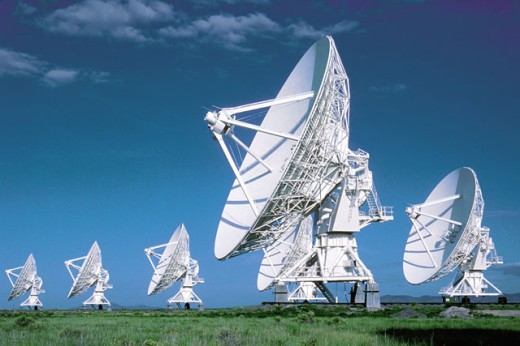 Stock Photo: 1557R-0157 Radio telescope antennae