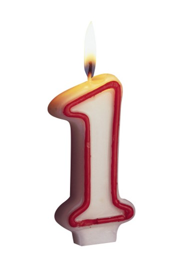 Stock Photo: 1557R-127069 One year candle