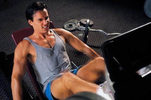 Stock Photo: 1557R-277069 Man on an exercise machine