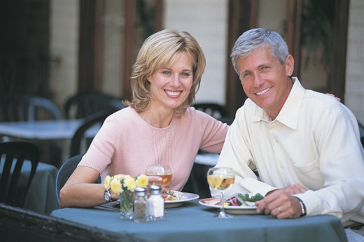 Stock Photo: 1557R-281734 Portrait of couple at outdoor cafe