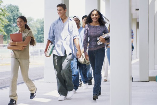 Stock Photo: 1557R-289175 Students walking outdoor